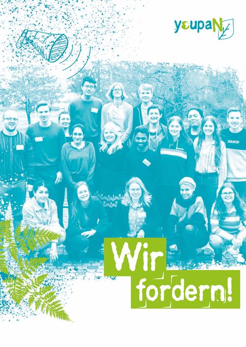 """Das Bild zeigt das Deckblatt der youpaN-Broschüre """"Wir fordern!"""" mit einem Gruppenbild des youpaN"""